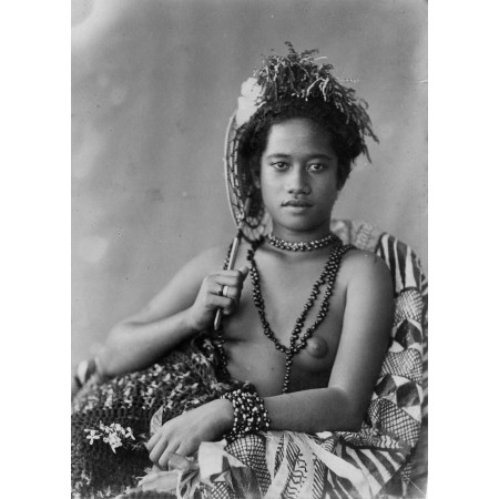Young Samoan Photographic Print Poster topless woman with necklace 1890s